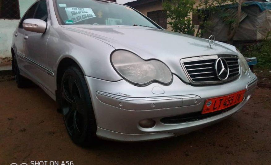 2005 Mercedes C200